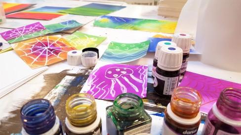 Atelier Peinture à l'encre Enfants© Les Ateliers YouDo